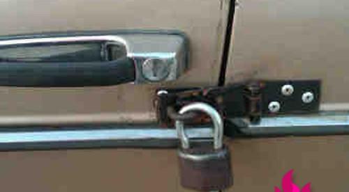 ghetto-car-door-locks.jpg