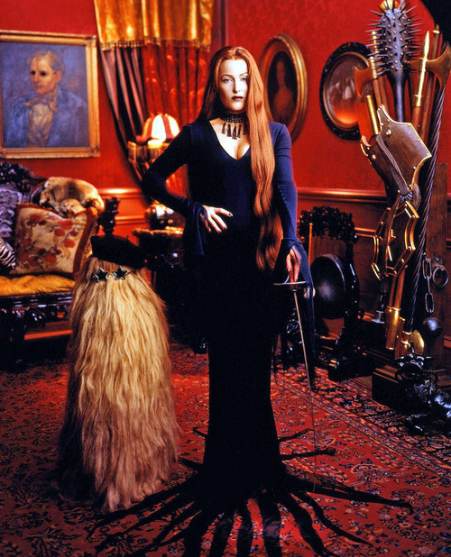 gillian-anderson-as-morticia-addams-24755-1289040785-43.jpg