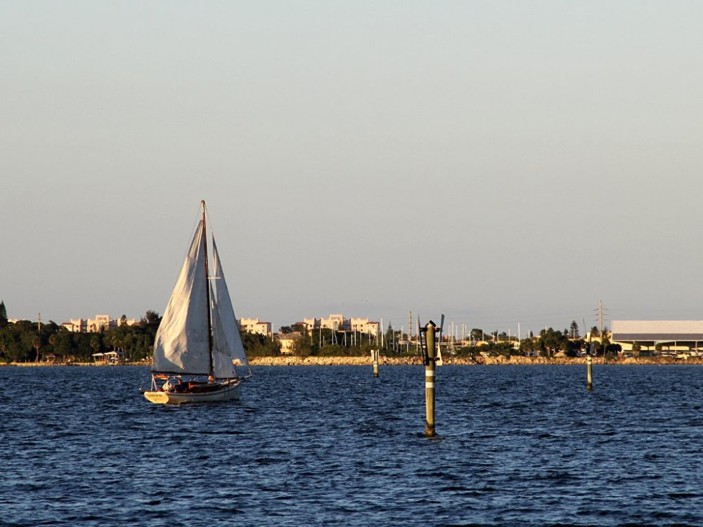 golden sailboat2.jpg
