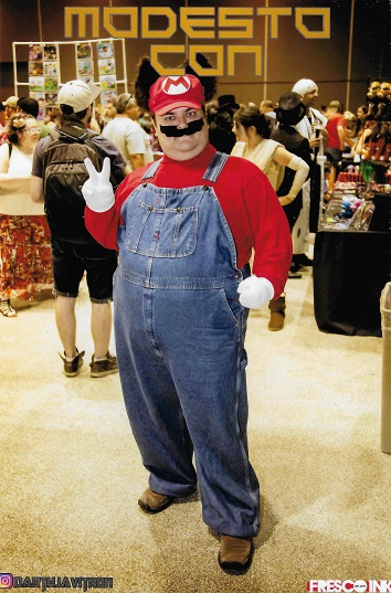 Raccoon Mario Dave At Modest-Con.jpg